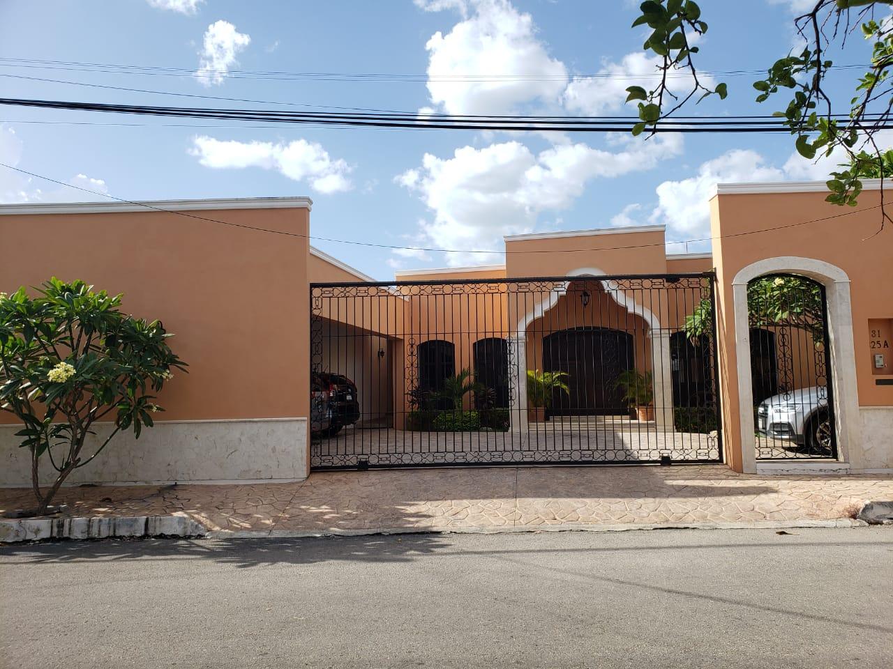 LUJOSA RESIDENCIA EN VENTA DE UN PISO TIPO HACIENDA YUCATECA EN SAN RAMÓN NORTE